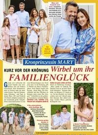 Titelbild der Ausgabe 37/2020 von KURZ VOR DER KRÖNUNG: Wirbel um ihr FAMILIENGLÜCK. Zeitschriften als Abo oder epaper bei United Kiosk online kaufen.