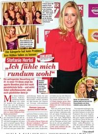 """Titelbild der Ausgabe 4/2021 von Die Sängerin hat kein Problem, ihre Hüllen fallen zu lassen: Stefanie Hertel: """"Ich fühle mich rundum wohl"""". Zeitschriften als Abo oder epaper bei United Kiosk online kaufen."""