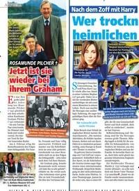 Titelbild der Ausgabe 8/2019 von ROSAMUNDE PILCHER †: Jetzt ist sie wieder bei ihrem Graham. Zeitschriften als Abo oder epaper bei United Kiosk online kaufen.