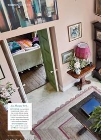 Titelbild der Ausgabe 4/2020 von WILTSHIRE: Mit Mut zur Farbe. Zeitschriften als Abo oder epaper bei United Kiosk online kaufen.