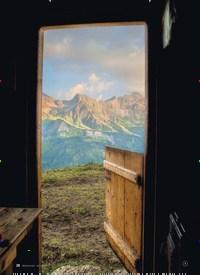 Titelbild der Ausgabe 3/2020 von Auf den Alpen Ein Schweizer Filmteam zu Besuch. Zeitschriften als Abo oder epaper bei United Kiosk online kaufen.