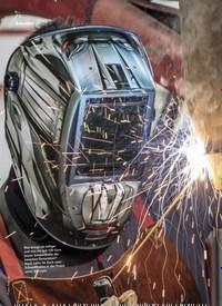 Titelbild der Ausgabe 6/2019 von Zwei Schweißhelme im Vergleich: Lohnen 100 € Aufpreis?. Zeitschriften als Abo oder epaper bei United Kiosk online kaufen.