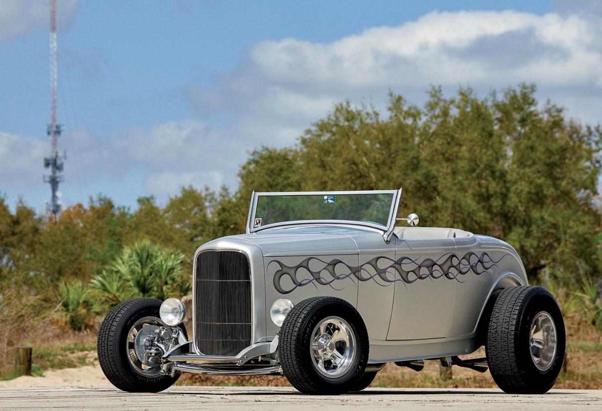 """Artikelbild für den Artikel """"1932er Ford California Street Rod: California Dreamin'"""" aus der Ausgabe 2/2020 von Chrom & Flammen. Dieses epaper sofort kaufen oder online lesen mit der Zeitschriften-Flatrate United Kiosk NEWS."""